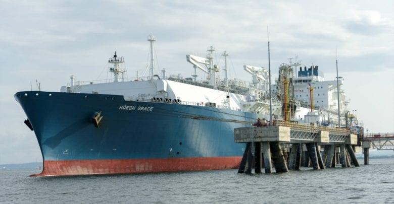 Höegh LNG time charters FSRU to US LNG exporter