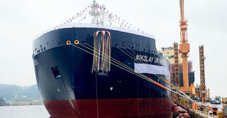Ice-breaking LNG carrier readied for Northern Route