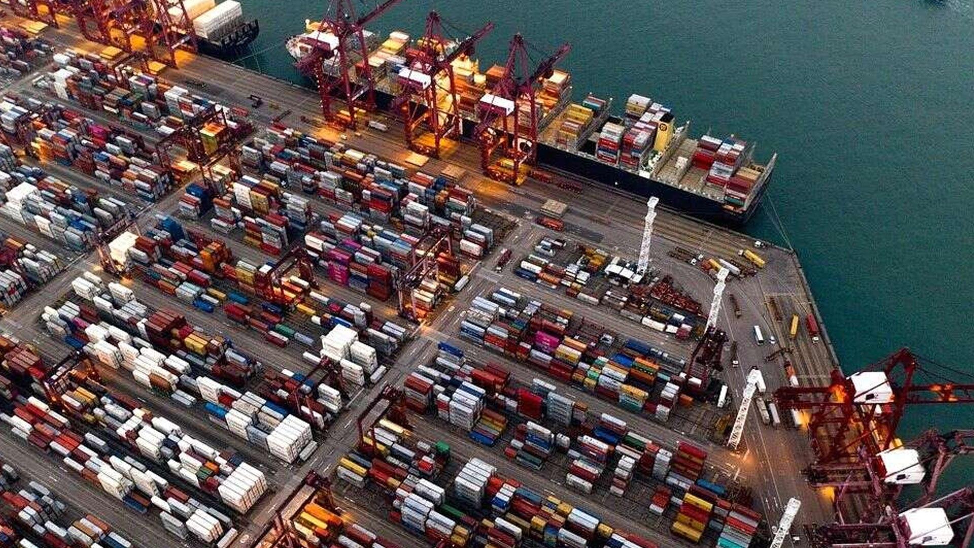 Drewry Downgrades Global Port Throughput Outlook