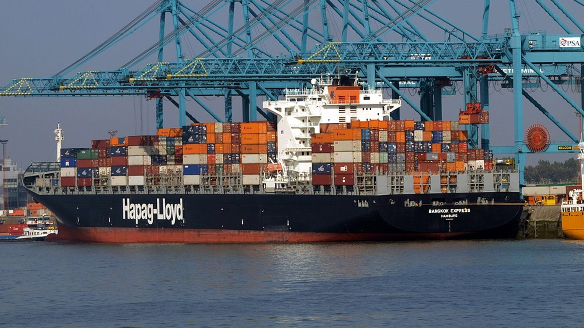Hapag-Lloyd Ships Will Not Use Arctic Sea Routes