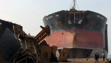 Photo of Report: Working Conditions at Alang Shipbreaking Yards Remain Poor