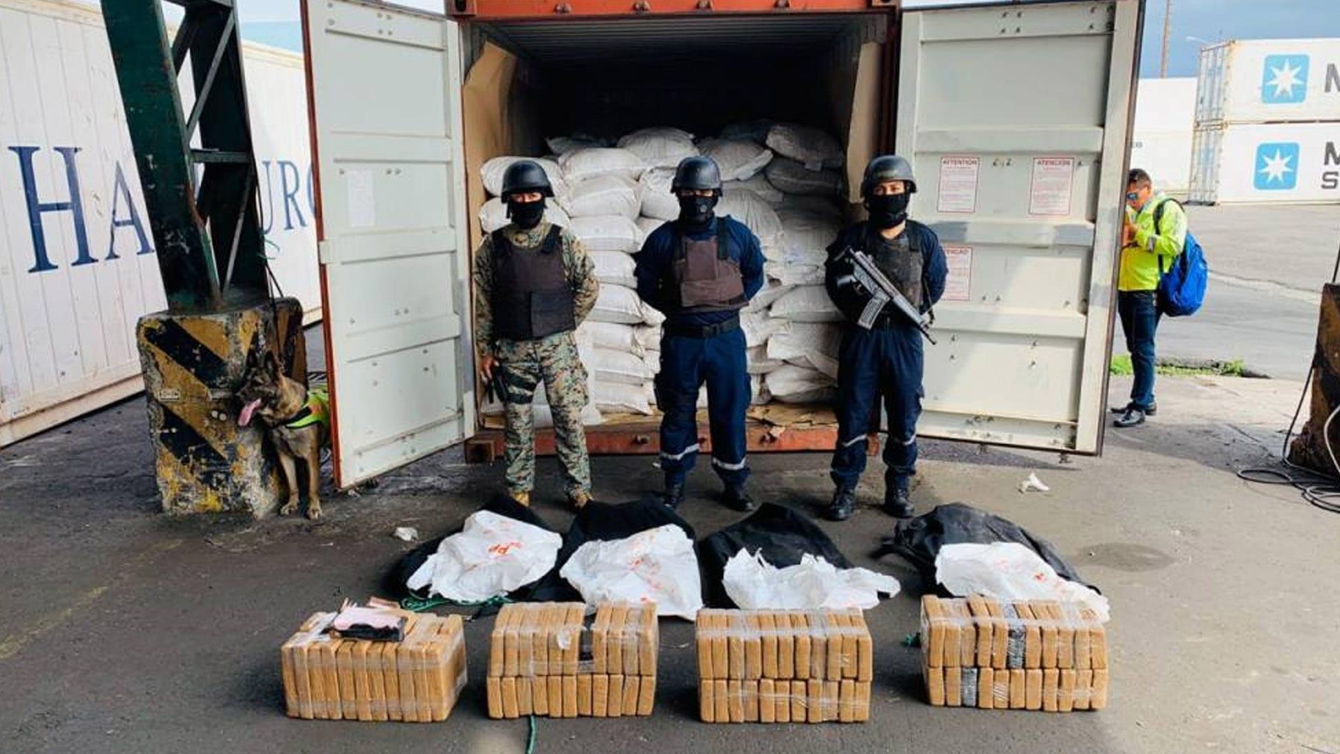 Ecuadorian Navy Finds Cocaine Aboard Containership at Puerto Bolivar