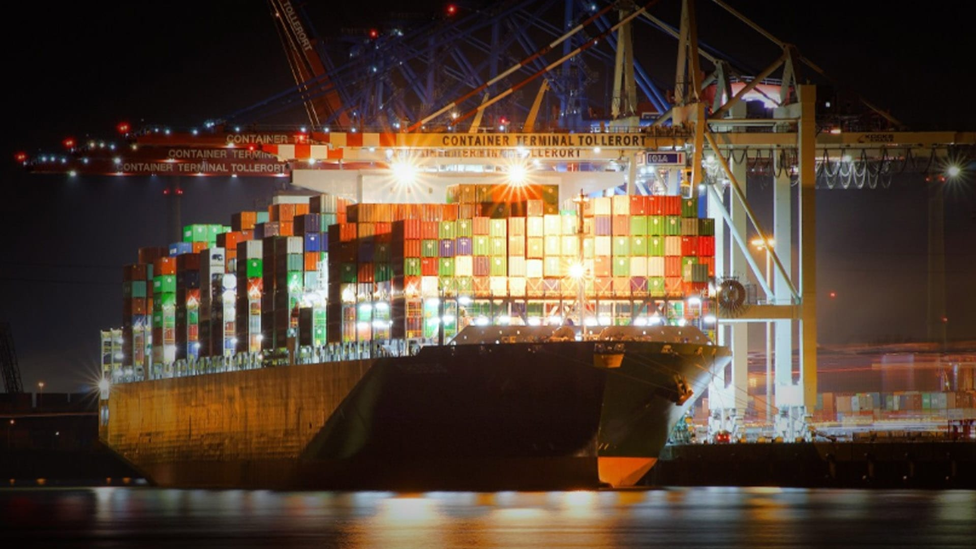 Port of Hamburg Will Not Lose Cargo due to Liner Service Changes