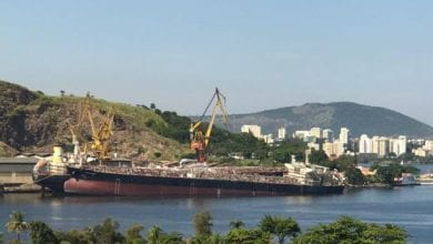 Photo of Near complete Brazilian tanker newbuild sinks at pier