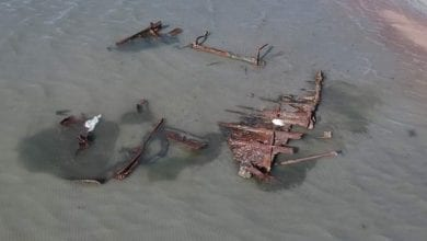 Photo of Storm Uncovers Steel-Framed Wreck in Utah's Great Salt Lake