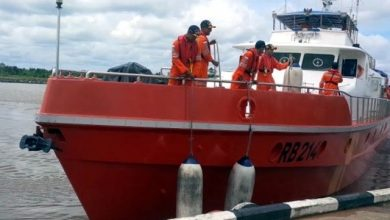 Photo of SAR Teams, Good Samaritans Rescue Seven from Sunken Indonesian Vessel