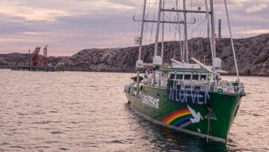 Photo of Greenpeace Blocks Swedish Harbor to Protest Oil Refinery Expansion